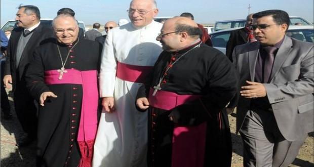 """بالصور/ وفد من الفاتيكان يشارك بمسيرة ذكرى اربعين الامام الحسين""""ع"""""""