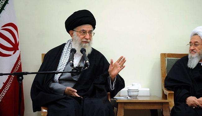 قائد الثورة: حركة الشباب ابان الدفاع المقدس كانت معجزة الثورة الاسلامية