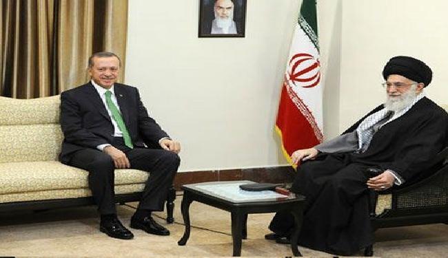 قائد الثورة: ينبغي النهوض بالتعاون بين ايران وتركيا الى أعلى المستويات