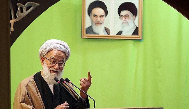 خطيب طهران: لا تنازل عن المبادئ والخطوط الحمراء