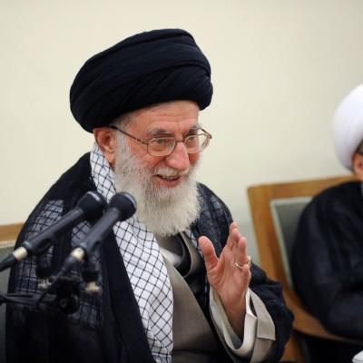 آية الله خامنئي: إيران تعارض بقوة أي تدخل أميركي في العراق