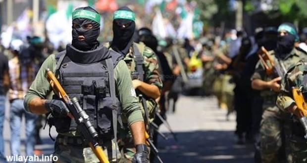مصدر بحماس: قائد كتائب القسام حي ويواصل قيادة مقاتليه
