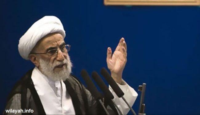 خطيب جمعة طهران: التدخل بسوريا سيكلف أميركا ثمناً باهضاً