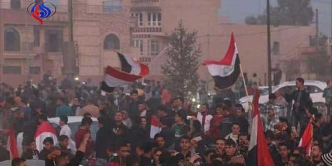 بالصور: اهالي الموصل يحتفلون بالانتصار وعودتهم الى مناطقهم